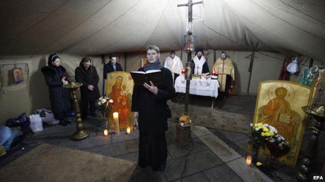 Міжконфесійний молитовний намет на Майдані незалежності у Києві