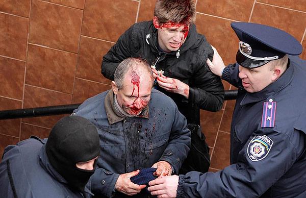 1-Kharkiv-pro-Russian-provocateurs-beat-citizens-MVasin