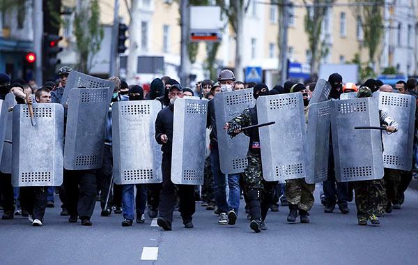 3-Donetsk-pro-russian-separatist