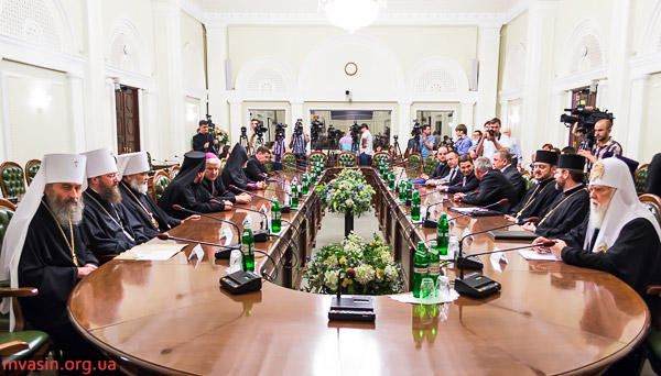 2-UCCRO-Oleksandr-Turchynov-Kyiv-Ukraine-parliament-MVasin