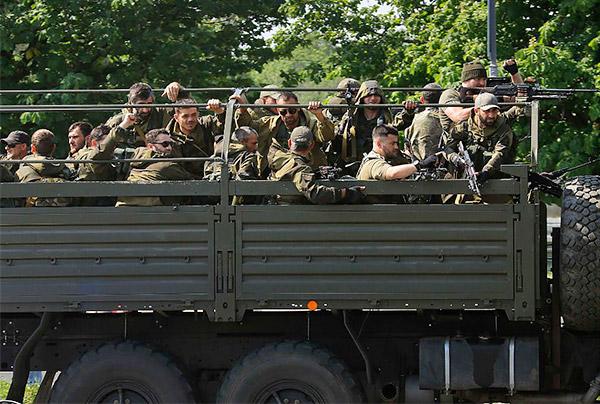 4-Donetsk-Donbass-Ukraine-Kadyrovtsy-gunmen-terrorist
