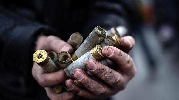 5-Maidan-EuroMaidan-Berkut-gun-riot-police-Kyiv-Ukraine-MVasin