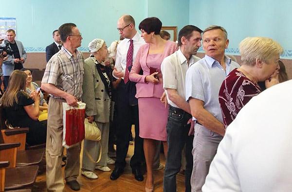5-Yatsenyuk-Kyiv-presidential-elections-Ukraine-2014
