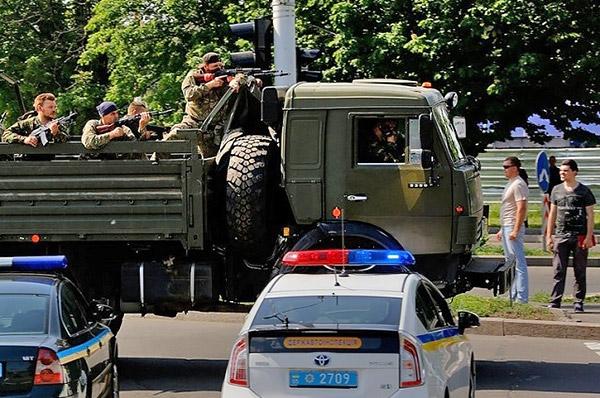 8-Donetsk-Donbass-Ukraine-Kadyrovtsy-gunmen-terrorist