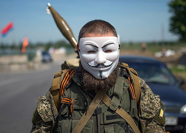 3-Russian-gunmen-militant-kadyrovtsy-in-Donbas-Ukraine-protest