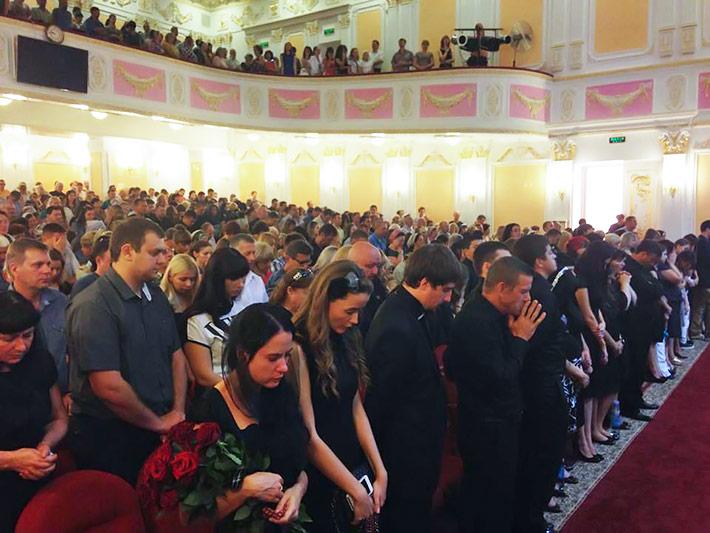 Траурное богослужение в евангельской Церкви Преображения Господнего г. Славянска, 21.07.2014