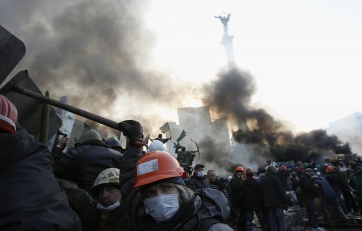 До чергового штурму міліції на Майдані Незалежності протестували лише у мирний спосіб, 19.02.2014