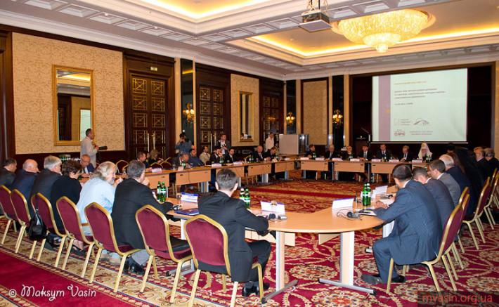 Круглий стіл за участі президента ЄНП Вілфреда Мартенса