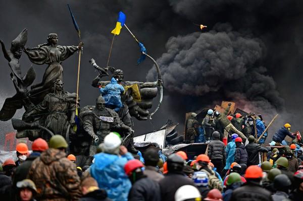 Центр Києва перетворився на епіцентр бойових дій, 20.02.2014