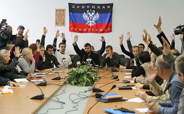 5_ukraine_pro-russian_activists_declare_donetsk_republic_MVasin