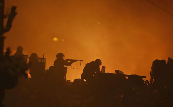 6-Maidan-EuroMaidan-Berkut-gun-riot-police-Kyiv-Ukraine-MVasin
