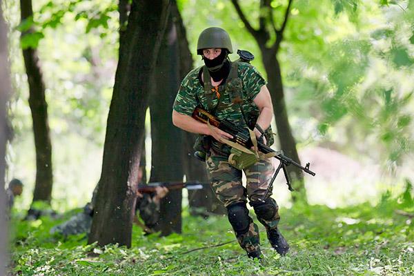 9-Donetsk-Donbass-Ukraine-Kadyrovtsy-gunmen-terrorist